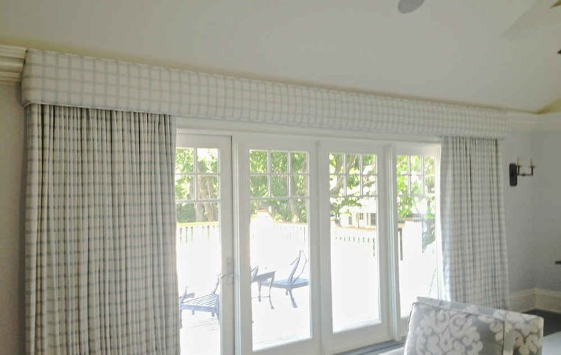 Cornice With Operable Black Out Drapery Panels