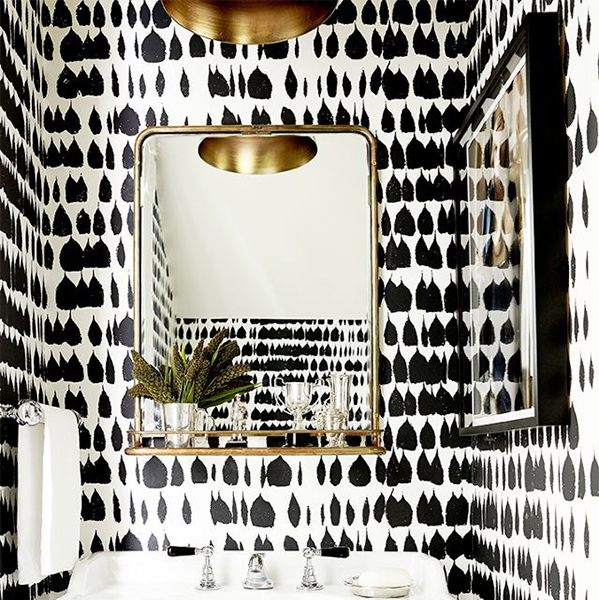 Queen Of Spain Wallpaper In Bathroom Brie Williams Photography Vaughn Miller Studio Interior Design 74707.1495726806